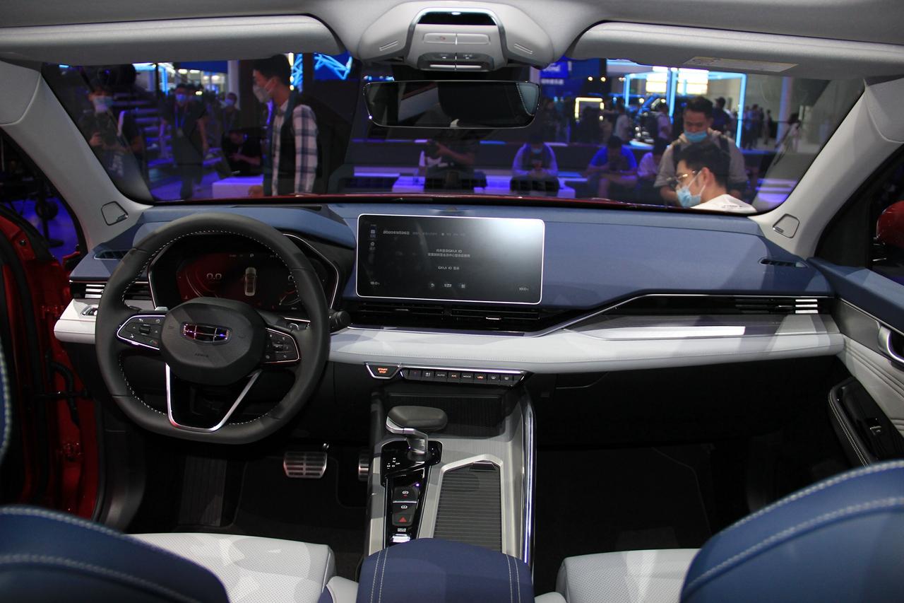 Geely PreFace 2021 года - роскошный серийный седан фото-5