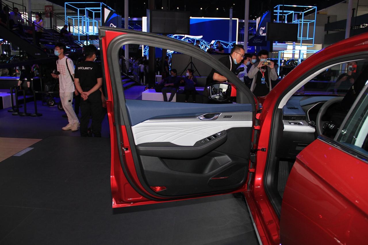 Geely PreFace 2021 года - роскошный серийный седан фото-4